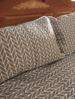 3pc Queen Quilt Set Grey/white New Embroidered NEW! Comforte
