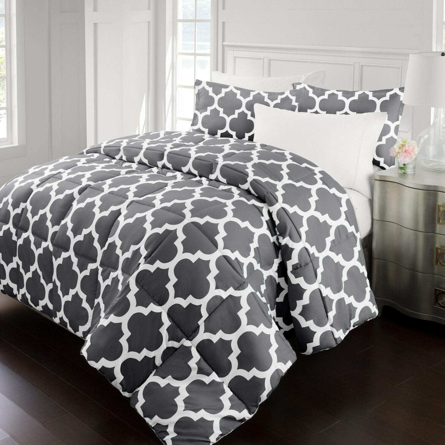 goose down alternative comforter with quatrefoil pattern