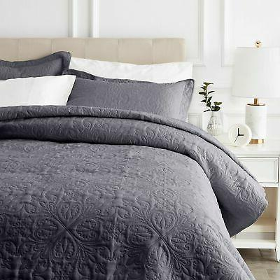 AmazonBasics Quilt Bed - King, Dark Grey