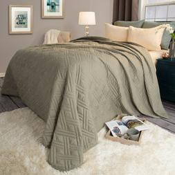 Solid Color Quilted Lightweight Blanket Comforter Coverlet F
